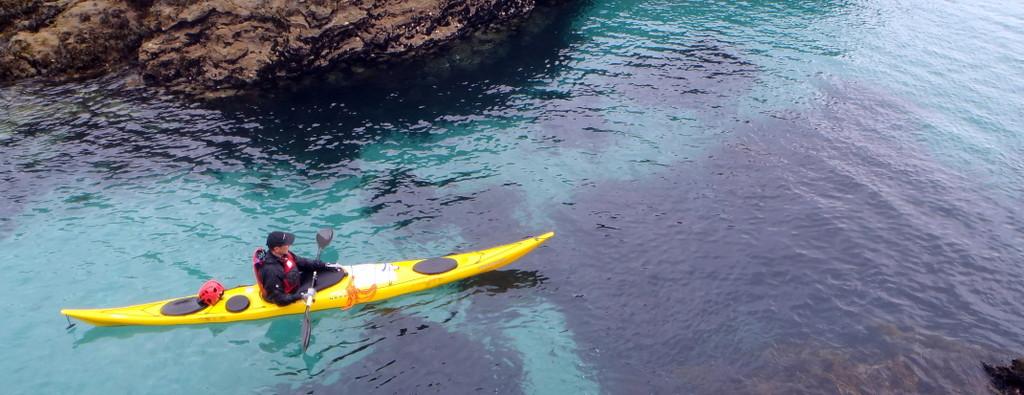 Au ras des cailloux, des endroits accessibles uniquement aux kayaks