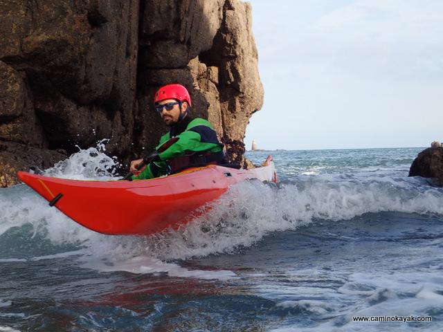 Vers la pagaie bleue kayak de mer